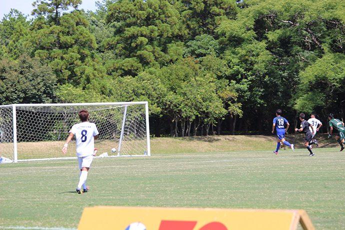 藤岡選手と森島選手の連携プレーで1点獲得