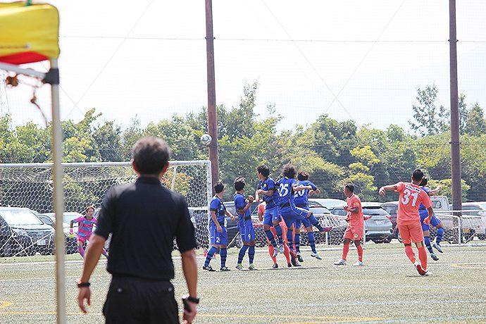森島選手が左ポストに当ててゴール