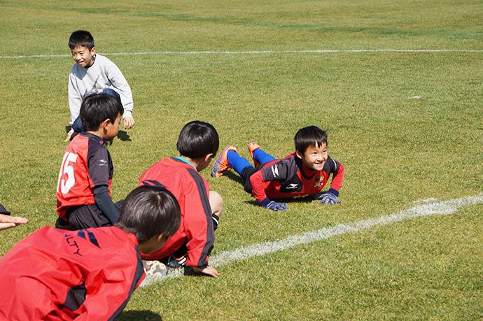 石崎監督によるサッカー教室の様子2