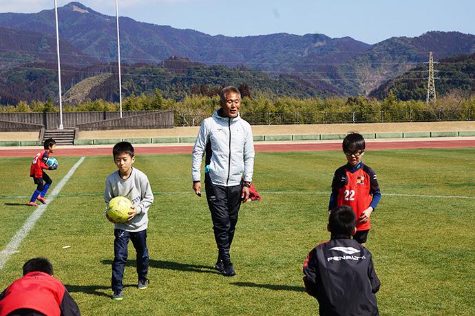 石崎監督によるサッカー教室の様子7
