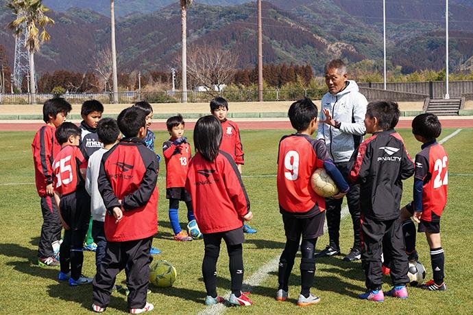 石崎監督によるサッカー教室の様子8