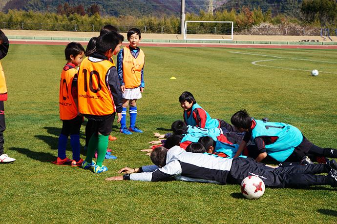石崎監督によるサッカー教室の様子9