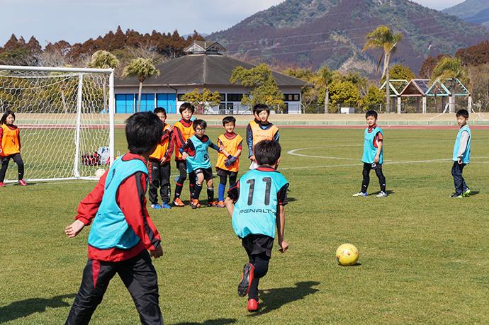 石崎監督によるサッカー教室の様子10
