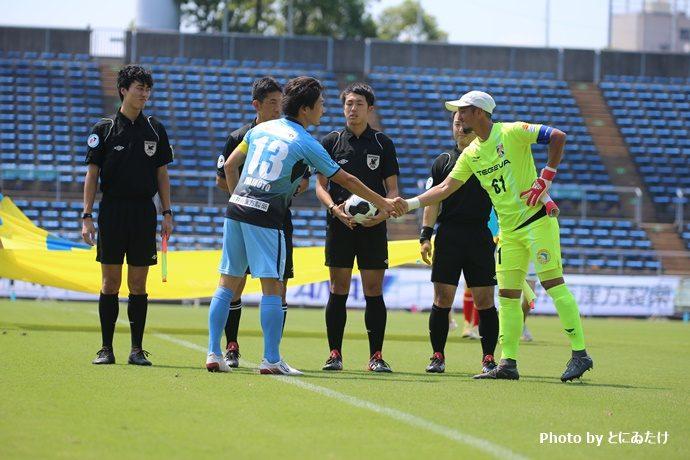 試合前の握手