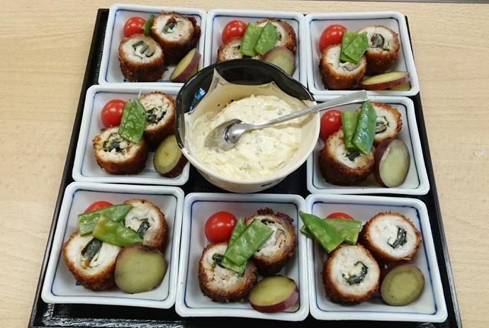 チーズと紫蘇のチョウザメ巻き