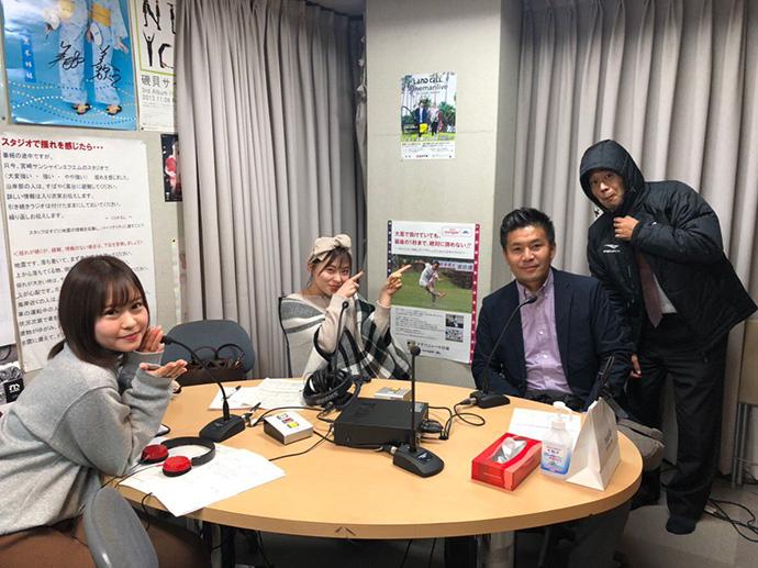 MC2人(甲斐杏奈、穴井玲奈)、キングこと柳田代表、スタッフ杉谷
