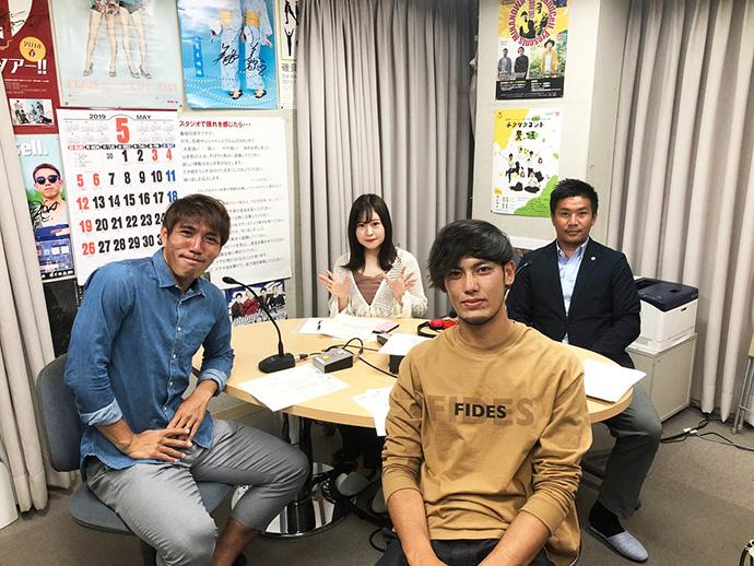 斐杏奈さん、柳田GM、水永翔馬選手、前田翔吾選手