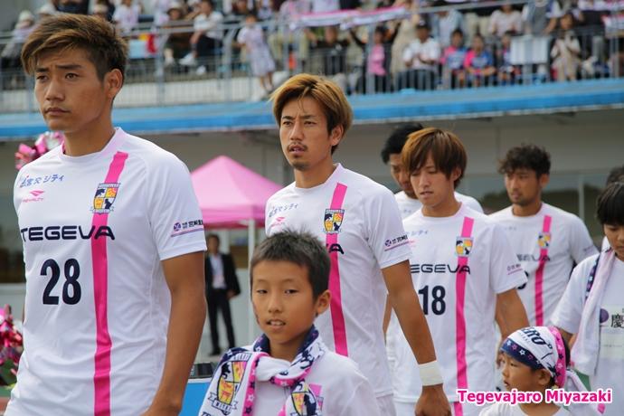 選手入場:岡村選手・千布選手
