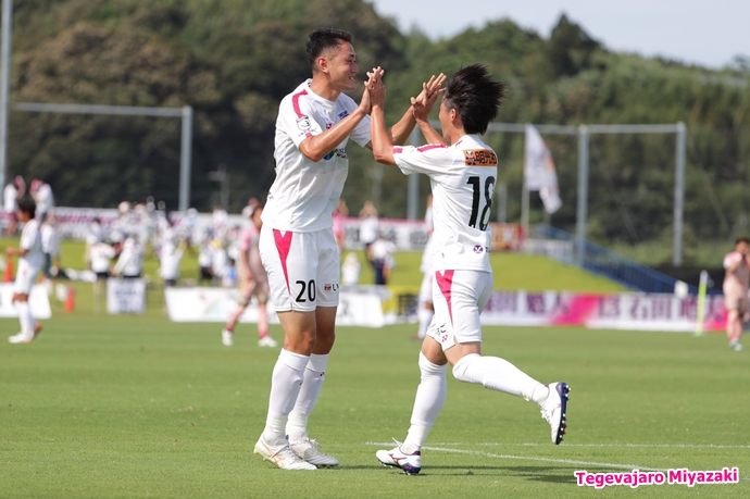 橋本選手ゴール後